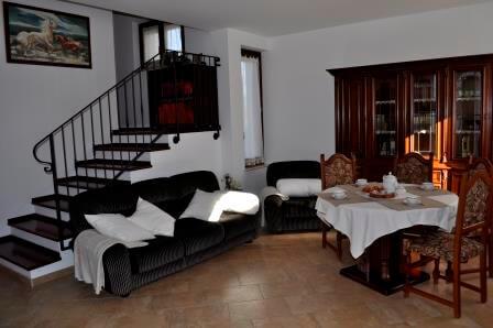 Il-Gelso-Corinaldo-soggiorno-1